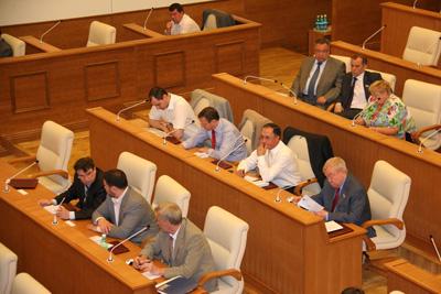 Депутаты на весенней сессии