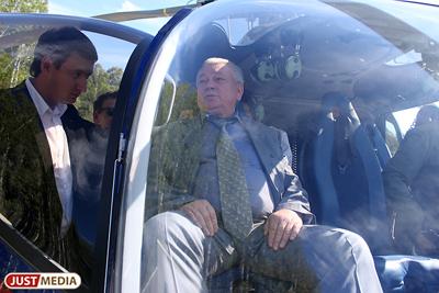 Владимир Коньков в вертолете