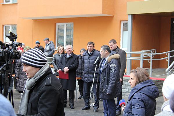 Поздравления администрации жильцов ЖК Рощинский