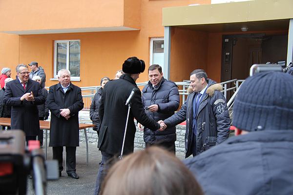 Вручение ключей от квартир дольщикам в ЖК Рощинский