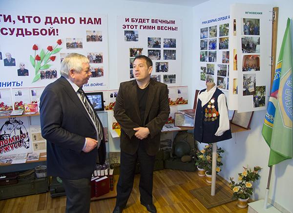 Владимир Коньков в музее Уктусского пансионата